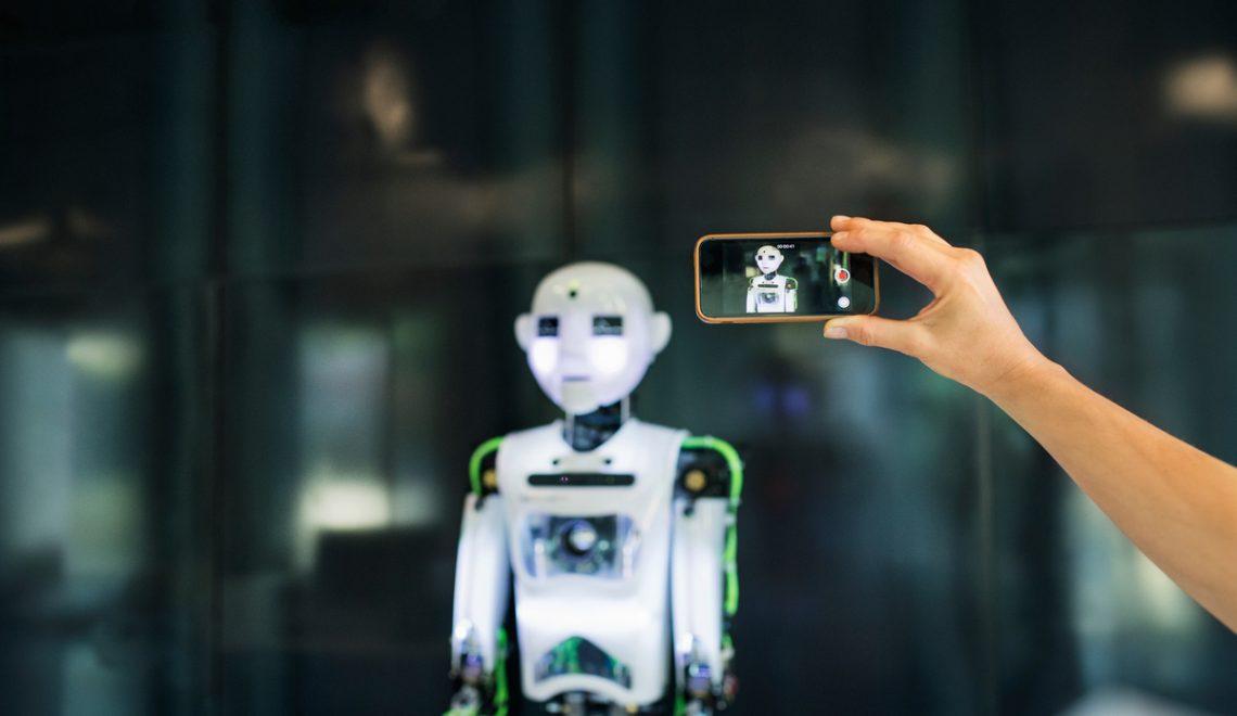 Quais são as vantagens e desvantagens da inteligência artificial?